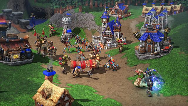 Tropas moviéndose por el mapa de Warcraft 3